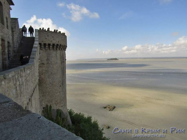 Вид на бухту с крепостных стен