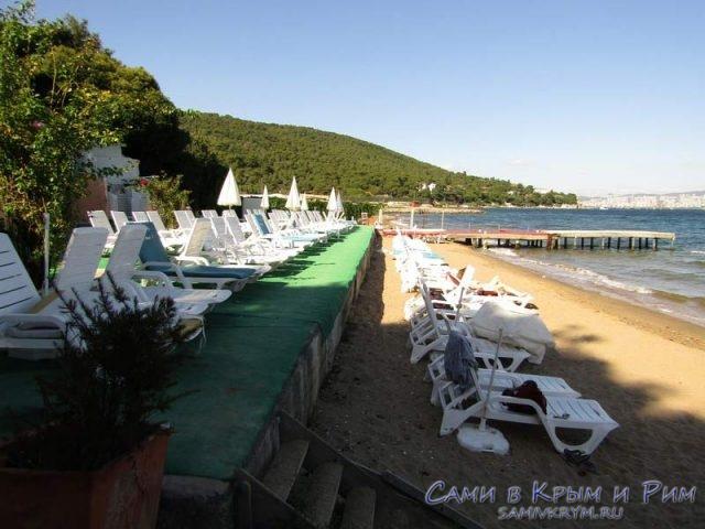 Вместительные пляжи Бююкада в 2 яруса