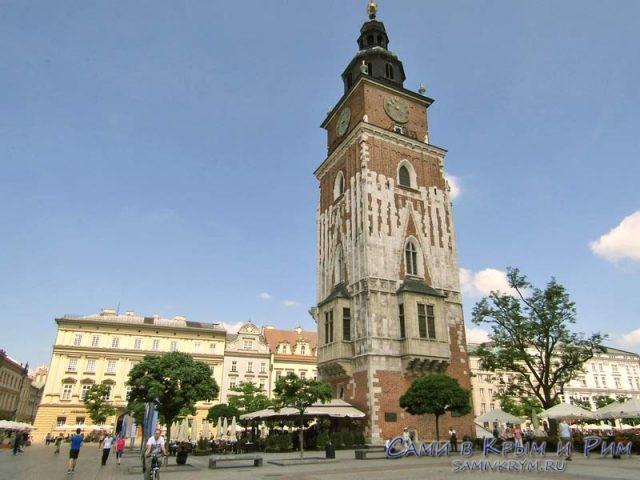 Башня бывшей Ратуши в центре Кракова