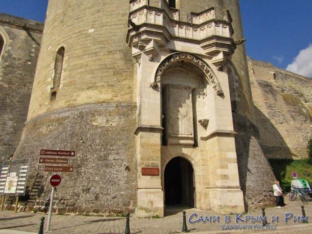 Одна из башен королевского замка