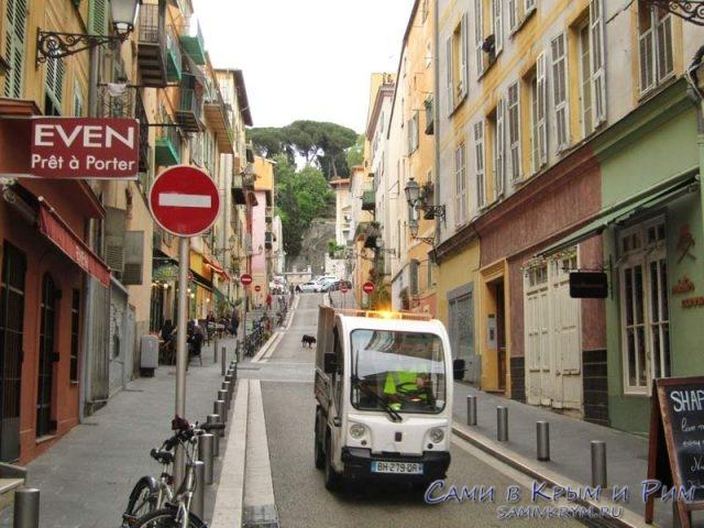 По узким улочкам старого города Ниццы