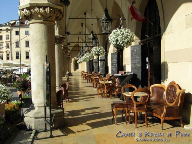 Самый-популярные-кофейни-в-Кракове-на-площади