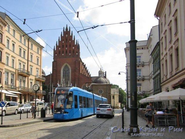 Трамвай в Старом городе Кракова