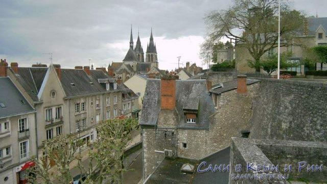 Вид на старый город Блуа со стен замка