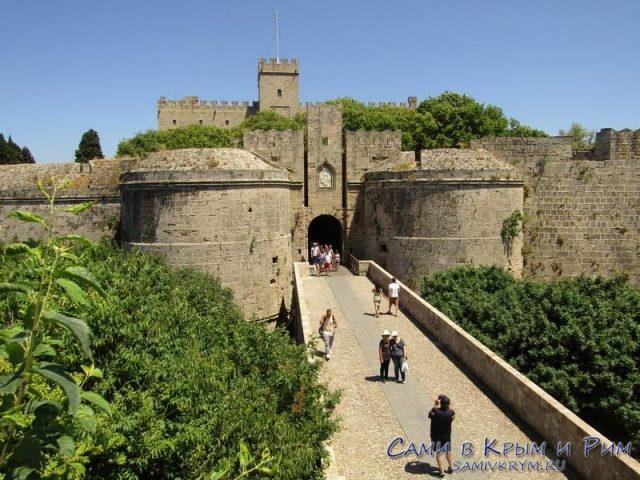 Ворота-дАмюуаз-в-крепость-Родоса