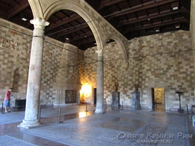 Залы-Дворца-Великого-Магистра