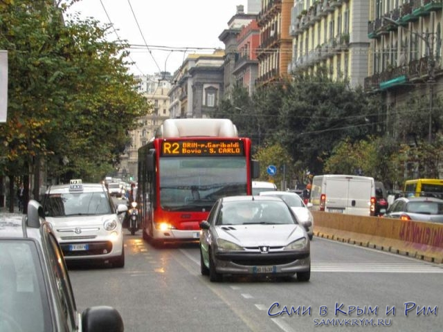 Автобус R2 с жд вокзала в центр