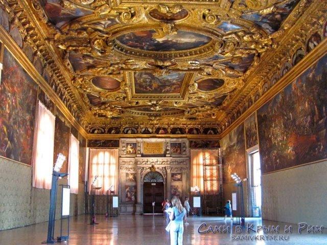 Palazzo-Ducale-шикарные потолки