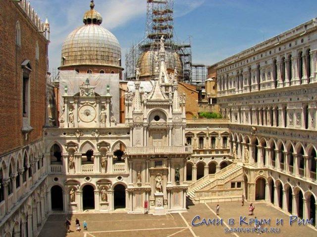 Palazzo-Ducale-внутренний дворик
