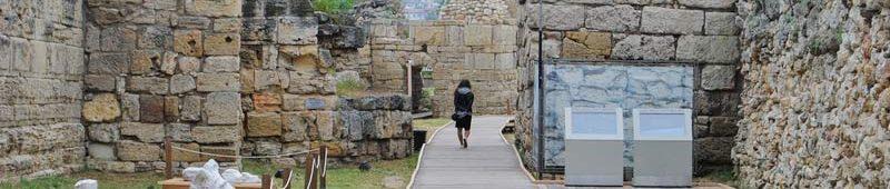 Прогулка-вдоль-стен