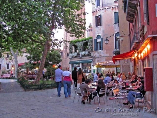 Вечерние-посиделки-в-Венеции