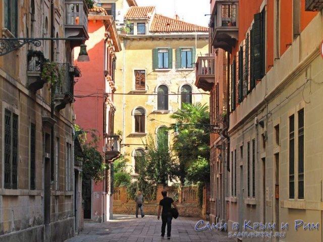 Затерявшись в улочках Венеции