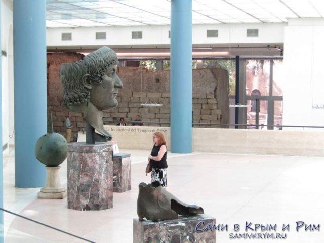 Останки медной статуи Константина