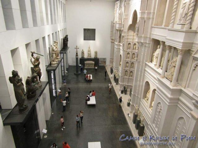 Внутри-Музея-Дуомо