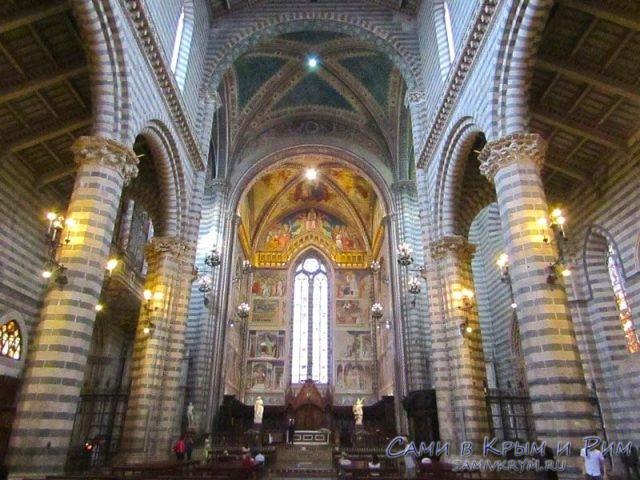 Внутри собора Орвието