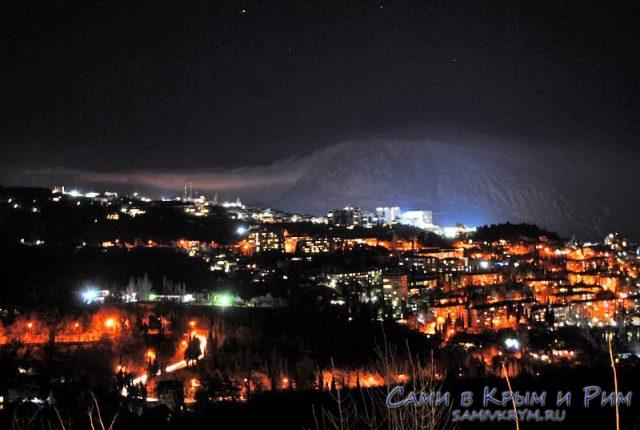 Гора МЕдведь ночью