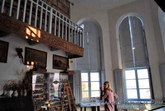 Внутри дома музея Волошина