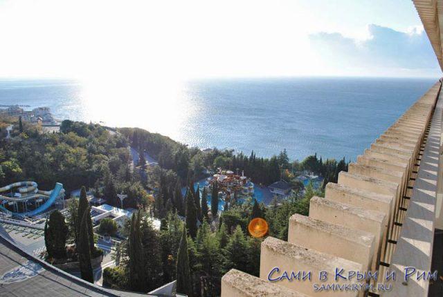 Вид с балконов на восток