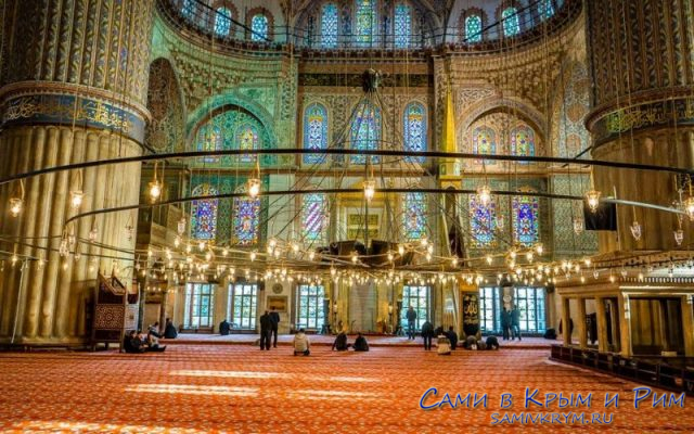 Внутри-Голубой мечети