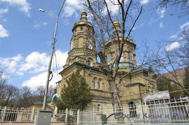 Лазаревская-церковь