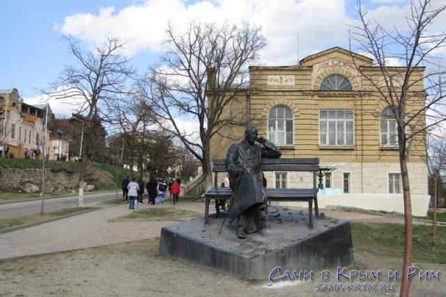 Памятник-Сергею-Михалкова
